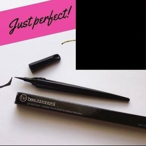 Beauticontrol Makeup - Beauticontrol eye ink liner in black - NEW